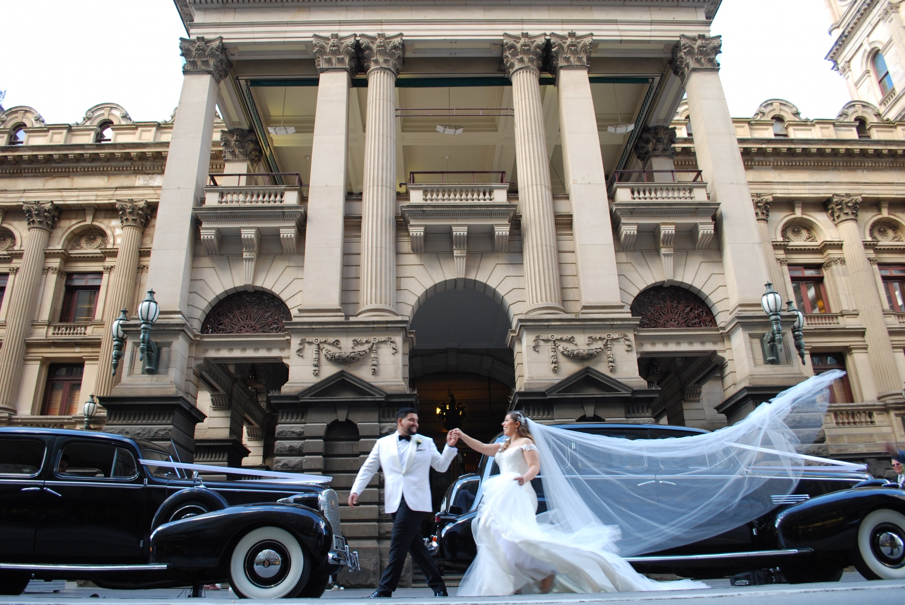Melbourne Town Hall, Bu-cadi wedding cars Viewbank 3084